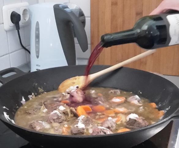 Rotwein zum Boeuf Bourguignon
